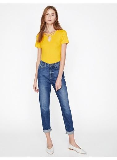 Koton Yaka Detaylı T-Shirt Sarı